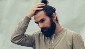 tendance homme cheveux longs en chignon autone hiver 2019 2020