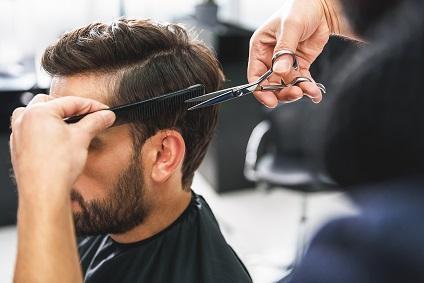 les clients de la coiffure à domicile sont aussi les hommes