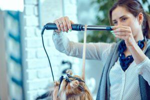 apprendre la coiffure en CAP - Viadom