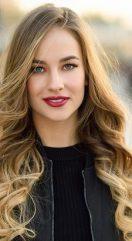 La coiffure à domicile pour qui : Les femmes de 25 à 50 ans