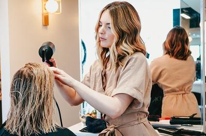 coiffure-qui-cliente-femme